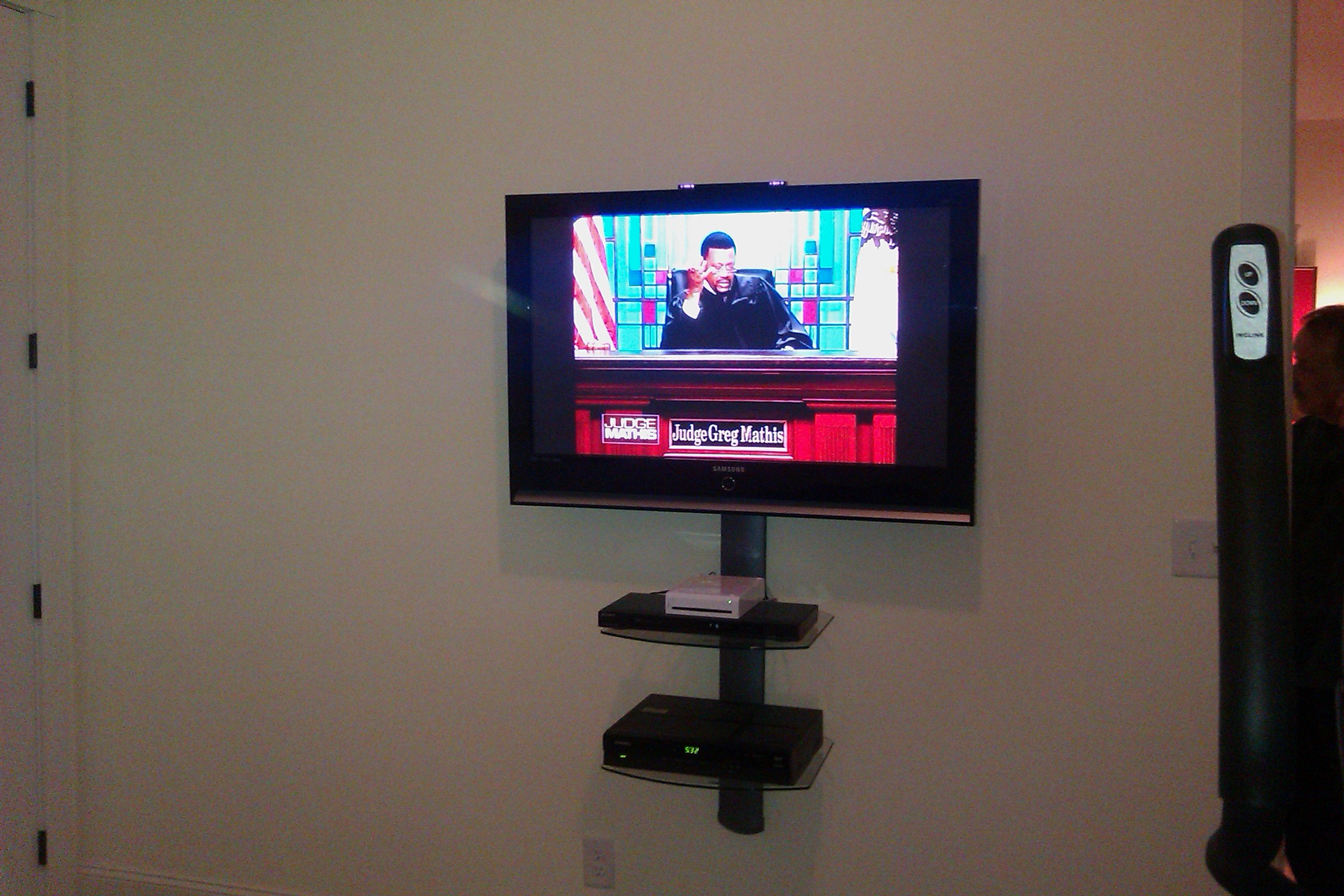 TV mounting with floating shelves