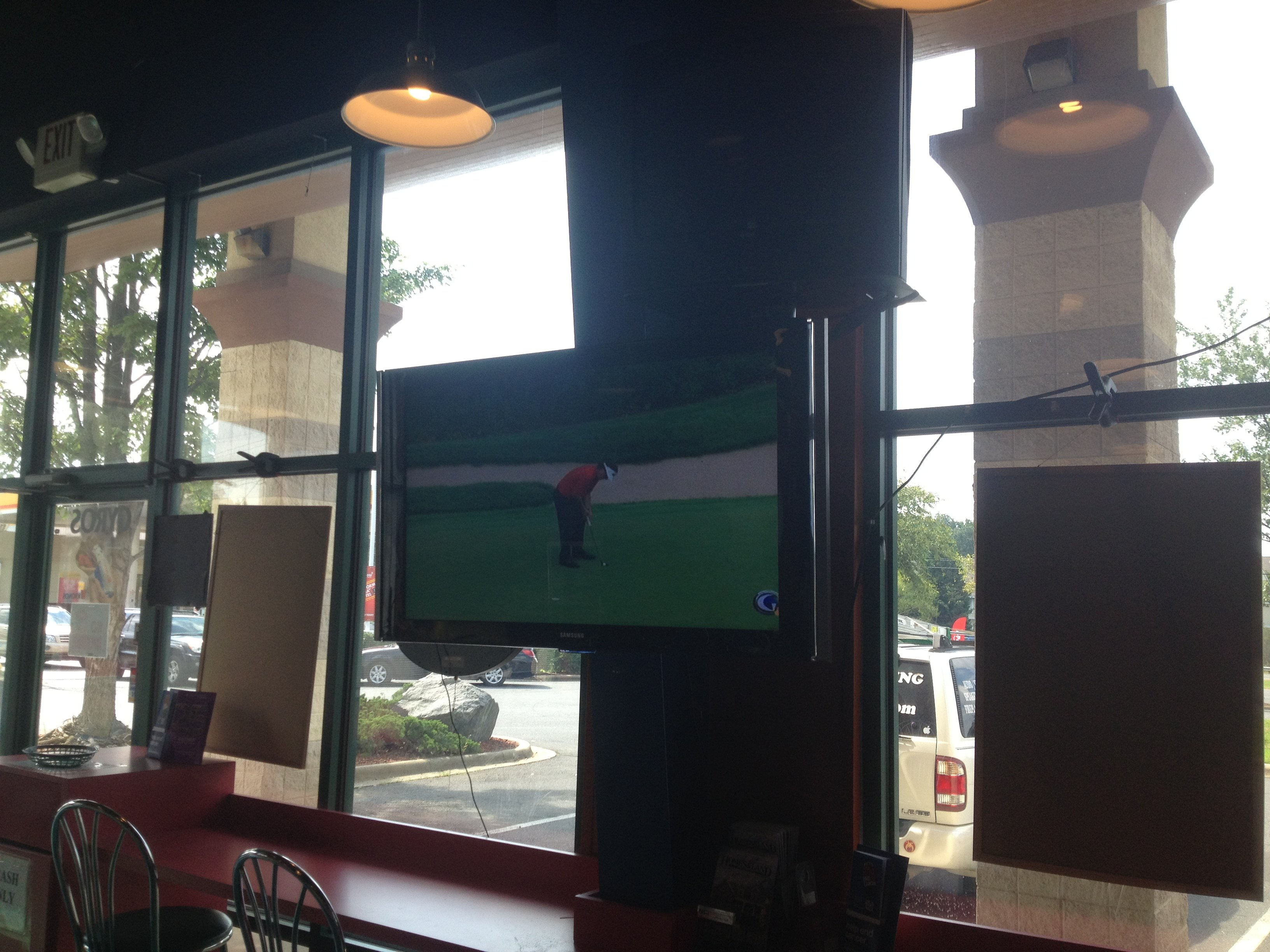 pizza restaurant commercial tv installation