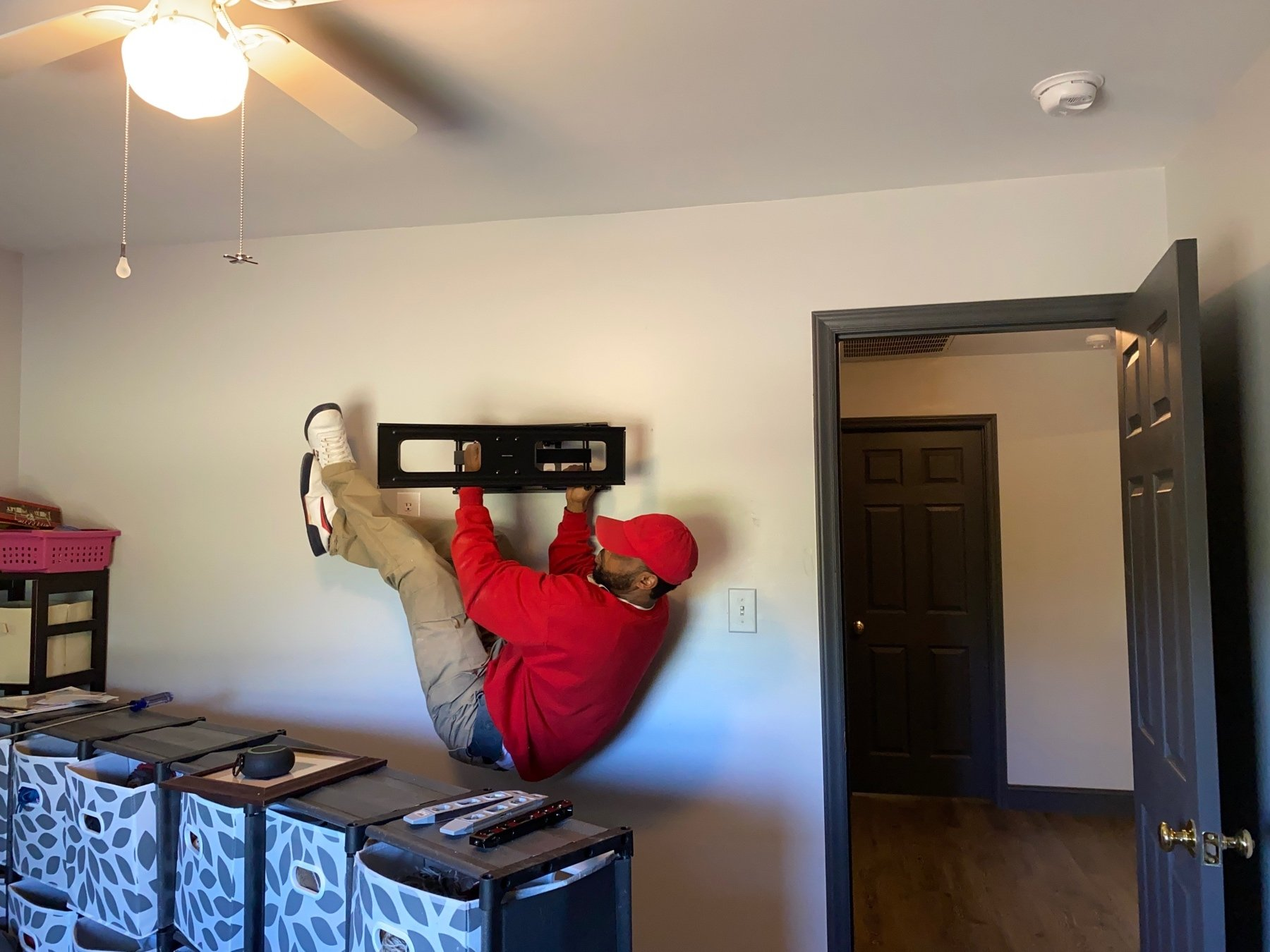 TV Mount Charlotte Installer Hanging From Wall Mount